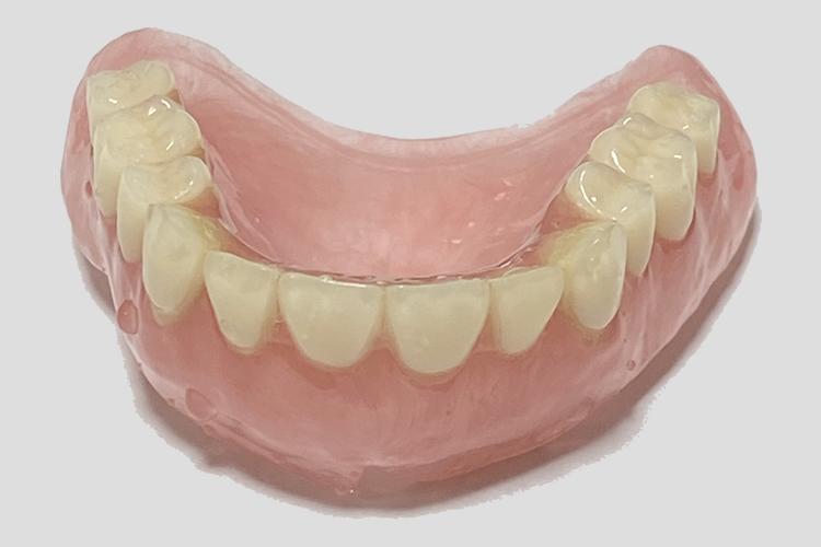 総入れ歯 プラスチック義歯 保険適用